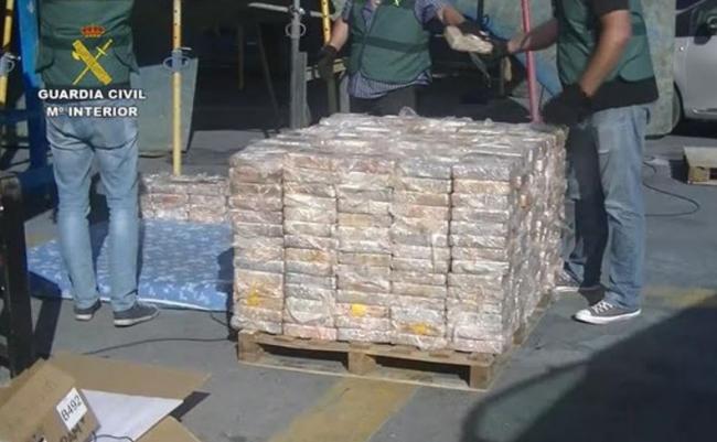 La Guardia Civil intercepta un velero cargado con 600 kilos de cocaína con destino las islas Baleares