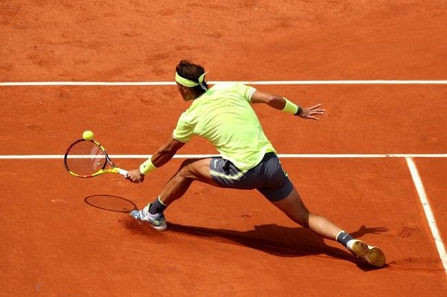 Nadal se impone por 6-2, 6-1 y 6-3 en su debut en Roland Garros