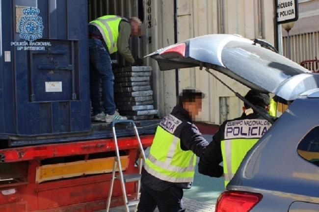 Intervenidas más de cinco toneladas de cocaína en tres contenedores del Puerto de Barcelona