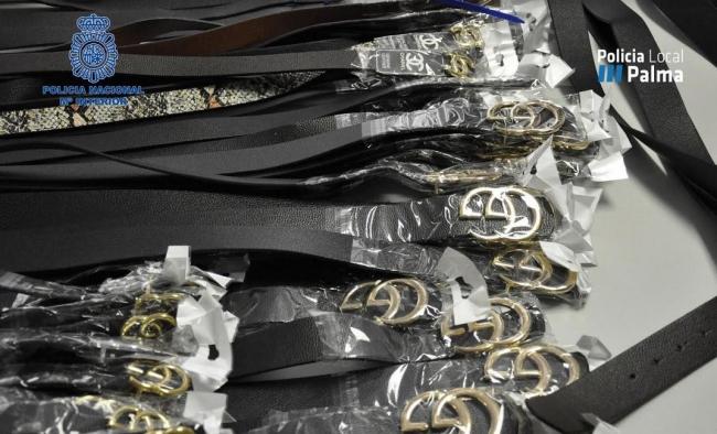 La Policía Local y la Policía Nacional detiene a un hombre por comercializar con productos falsificados