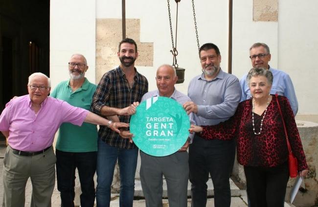 S'inicia la campanya als comerços per adherir-se a la Targeta Gent Gran