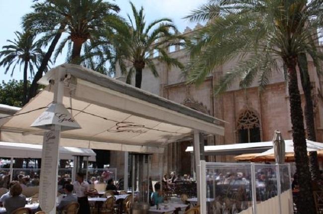 El PP pide la exoneración de las tasas de ocupación de las terrazas en bares y restaurantes de los puertos de Mahón, Palma, Eivissa y la Savina