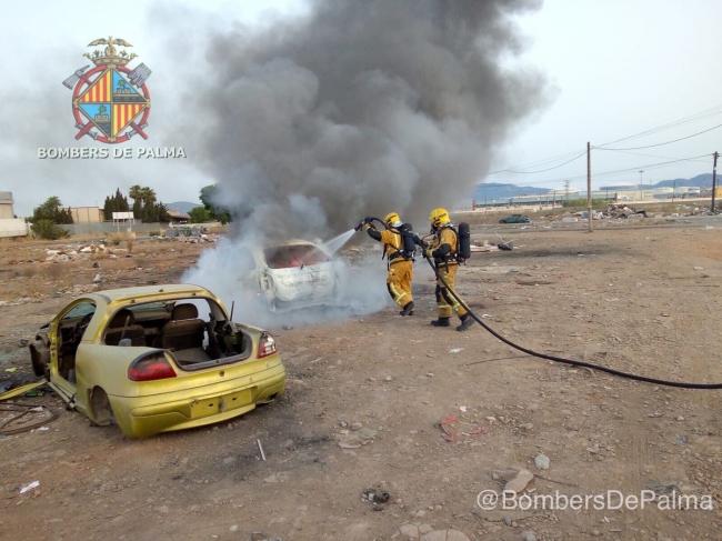 Incendio de vehículo abandonado en Son Banya
