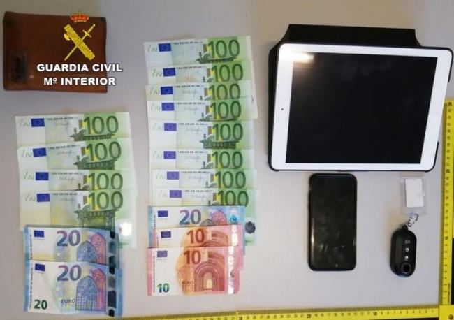 La Guardia Civil detiene a un varón por varios robos en viviendas de Cala Egos