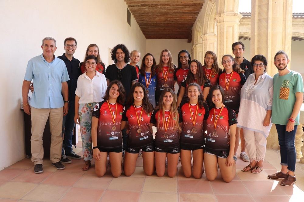 El ayuntamiento de Manacor ofrece una recepción al club Voleibol Manacor