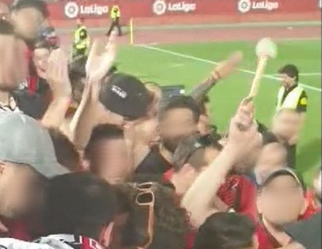La Policía Nacional detiene a un aficionado de fútbol tras una agresión en la grada