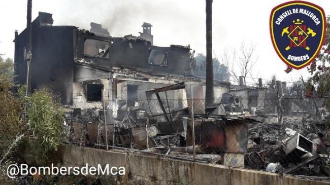 Un incendio en Búger ha quemado dos casas