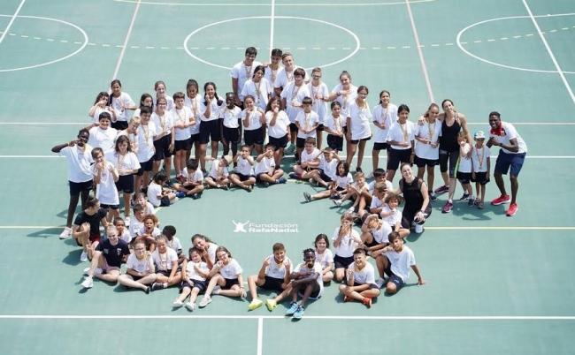 Deportistas olímpicos y menores vulnerables, juntos de la mano de la Fundación Rafa Nadal y Telefónica