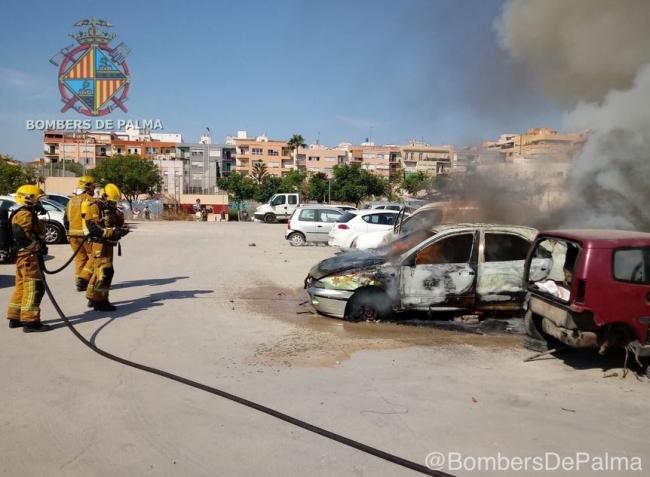 Incendio en un vehículo abandonado en Palma