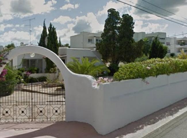 La Guardia Civil detiene a dos varones por la 'ocupación profesional' de una vivienda en Cala de Bou de Ibiza