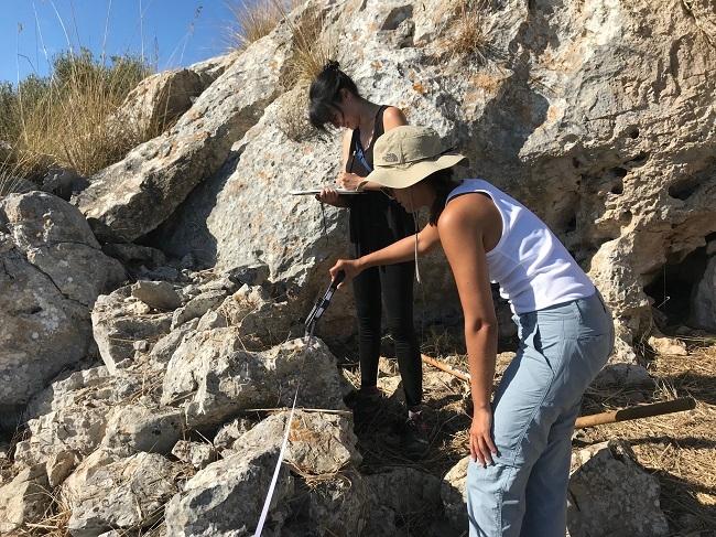 Excavan por primera vez una trinchera de la guerra civil en Mallorca