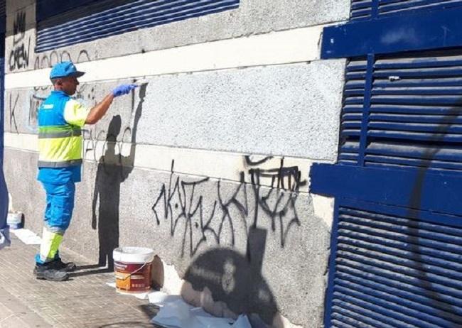 EMAYA pone en marcha el plan de choque contra las pintadas vandálicas