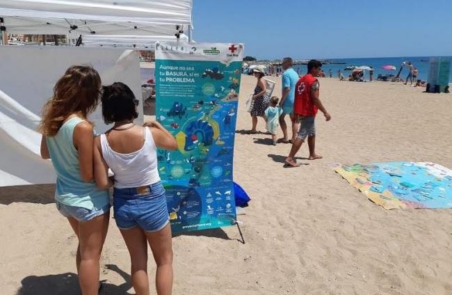 LIBERA y Cruz Roja organizan acciones de sensibilización ambiental en las playas de Baleares