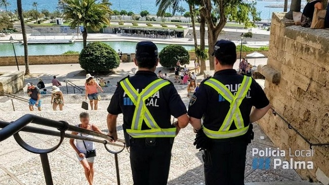https://www.noticiasmallorca.es/imatges/fotosweb/2019/07/31/8586policia-local.jpg