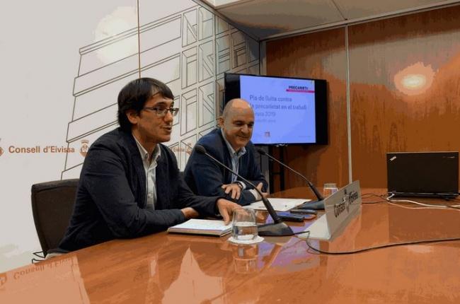 Iago Negueruela y Vicente Marí acuerdan mejoras para avanzar en la calidad del empleo y el turismo