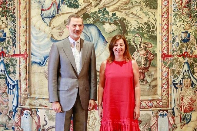 La presidenta Armengol en la audiencia con Su Majestad el Rey en el Palacio Real de La Almudaina