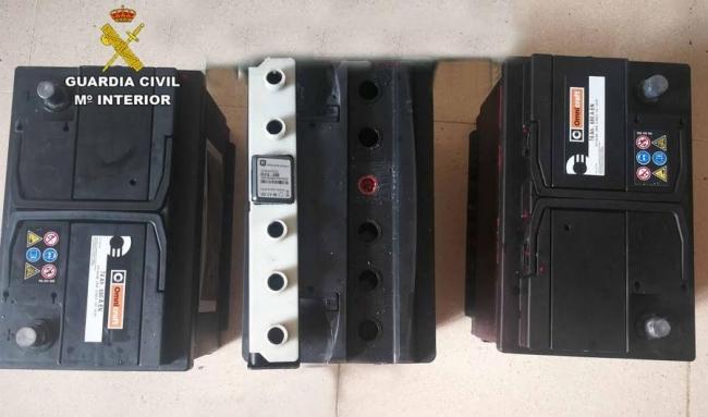 La Guardia Civil detiene a un individuo por el robo de 18 baterías de camiones