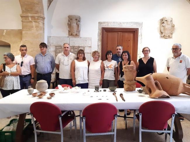 Piezas de cerámica, bronce y vidrio encontradas a la ciudad romana de Pol·lèntia