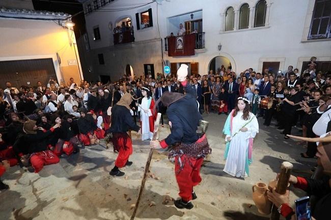 La presidenta de las Illes Balears ha asistido a la Procesión de la Beata de Santa Margalida