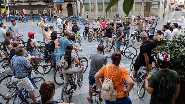 Éxito de participación en la ruta 'Misteris sobre rodes' que transcurrió por las estaciones de Bicipalma