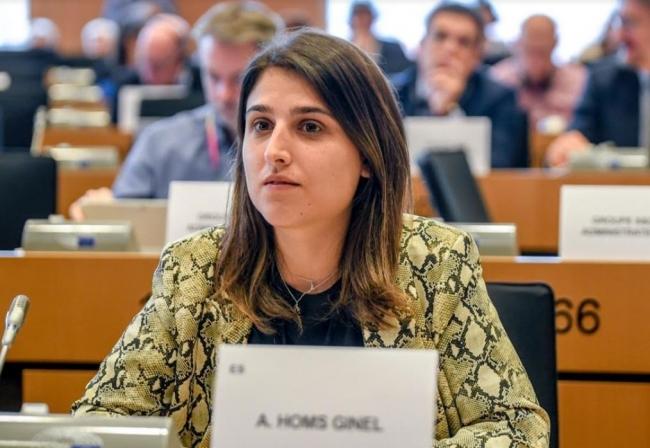 La eurodiputada Alicia Homs se compromete a defender los derechos de los trabajadores de Thomas Cook ante Europa