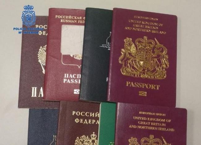 La Policía Nacional detiene a ocho personas por varios delitos de falsificación documental