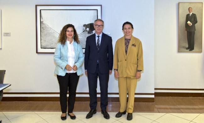 La consellera de Cultura, Pilar Costa, se reúne en Madrid con el ministro de Cultura