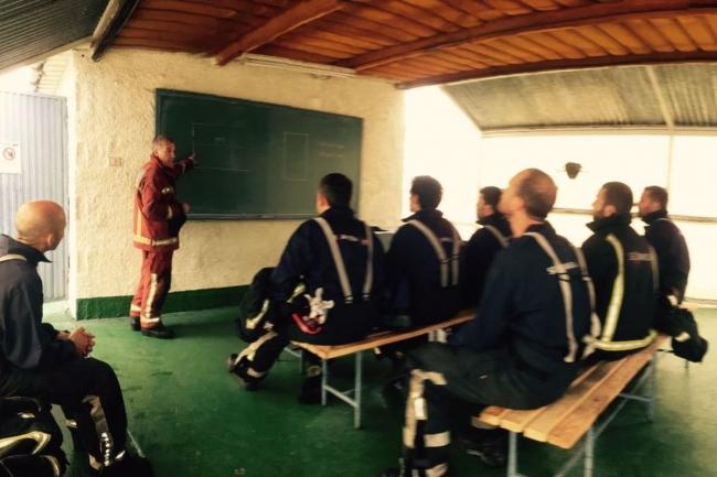 Catorce miembros de los Bomberos de Mallorca participan en un curso de especialización en la intervención de puertos