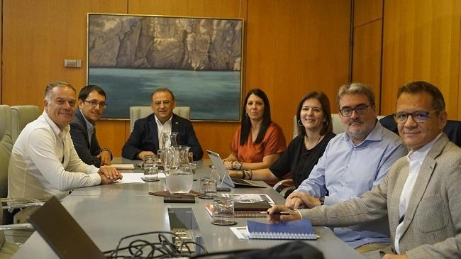 El conseller Negueruela y el alcalde de Calvià intensifican la colaboración para trazar un Plan de Ocupación en el municipio