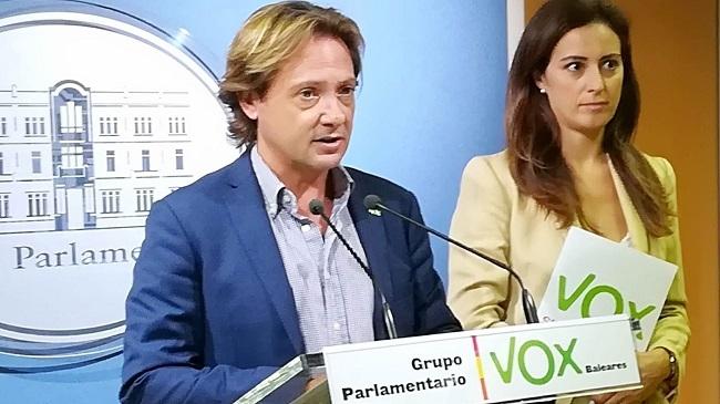 """Jorge Campos: """"el conseller de Turismo, Iago Negueruela, es un completo incompetente que no está a la altura"""""""
