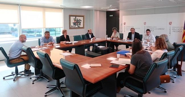 Las consellerias del Govern coordinarán sus acciones en materia de investigación e innovación