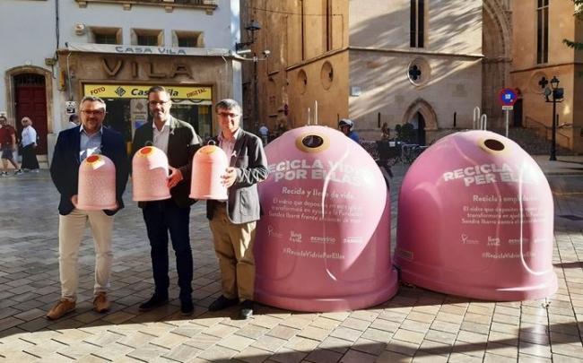 """El Ayuntamiento, EMAYA y Ecovidrio presentan la campaña """"Recicla vidrio por ellas"""" con motivo del Día Mundial del Cáncer de Mama"""