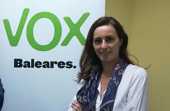 """Idoia Ribas (Vox): """"el Gobierno balear convoca oposiciones que son un ERE para echar a los interinos más antiguos"""""""