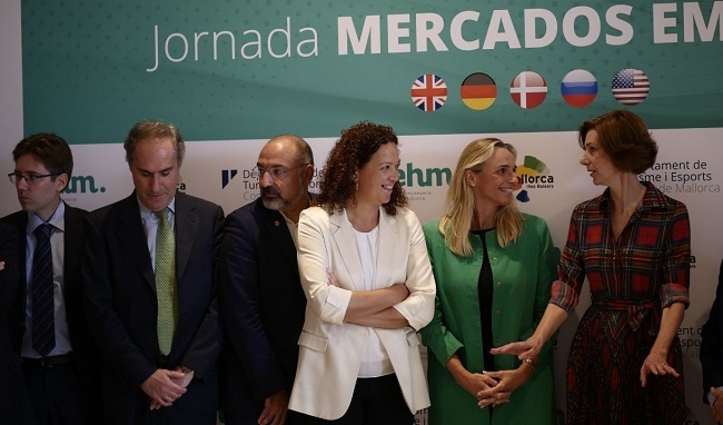 La presidenta Cladera apuesta por la sostenibilidad turística