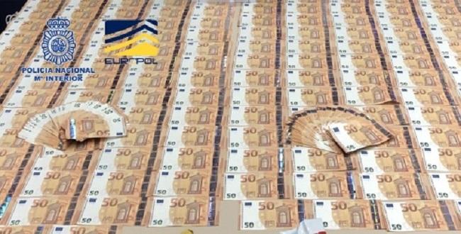 La Policía Nacional desmantela en Madrid una organización que distribuía billetes falsos de 50 euros por toda España