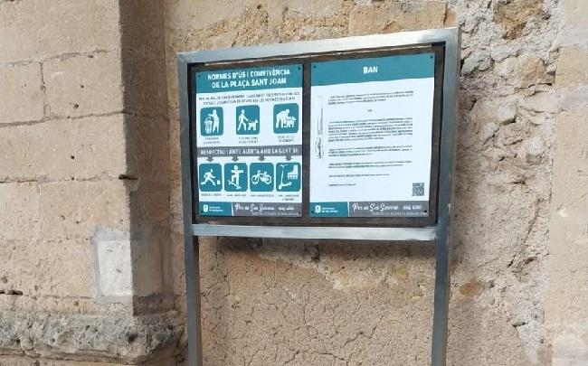 El Ayuntamiento de Son Servera coloca carteles para mejorar la convivencia en el espacio público