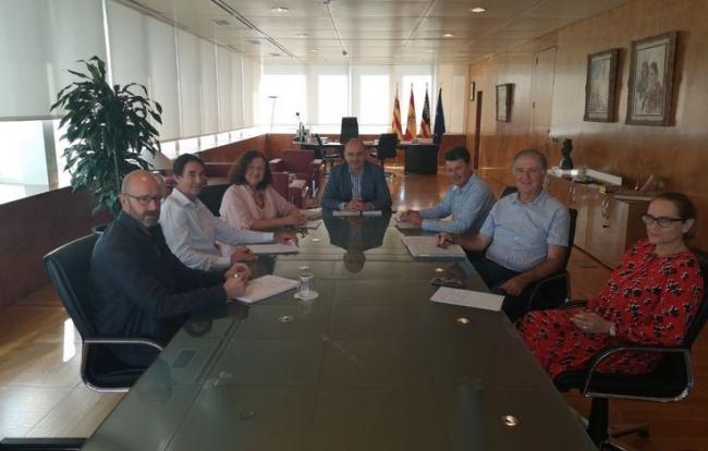 Mae de la Concha y Vicent Marí coinciden en involucrar al sector turístico de Ibiza en el consumo de producto local