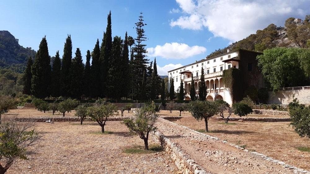 El Consell y el Ayuntamiento de Bunyola quieren que Raixa sea una imagen emblemática de la localidad