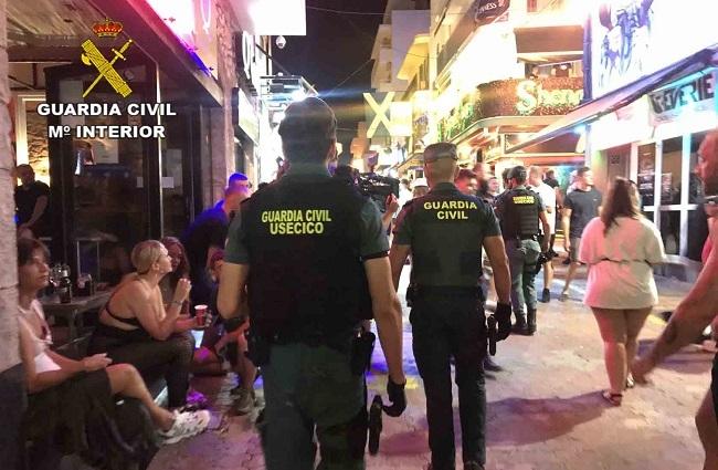 La Guardia Civil de Ibiza ha detenido durante el verano a un total 186 personas por venta de drogas al menudeo