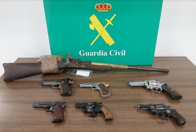 La Guardia Civil detiene a una persona por tenencia ilícita de armas en Palma