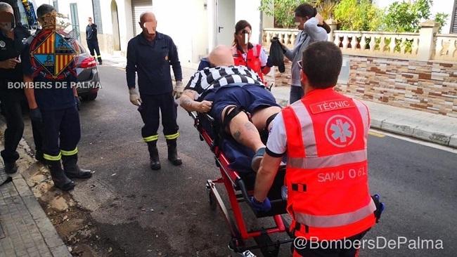 Bomberos de Palma rescatan una persona con sobrepeso e indispuesta