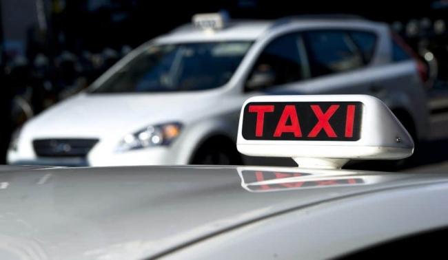 Acuerdan con el sector del taxi ampliar los turnos a 24 horas durante la temporada alta en Palma