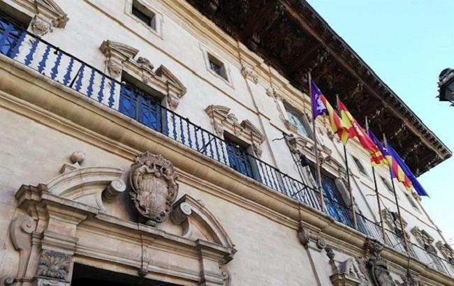 Vox Palma denuncia en el pleno el gasto de 120.000 euros en dinamizadores lingüísticos