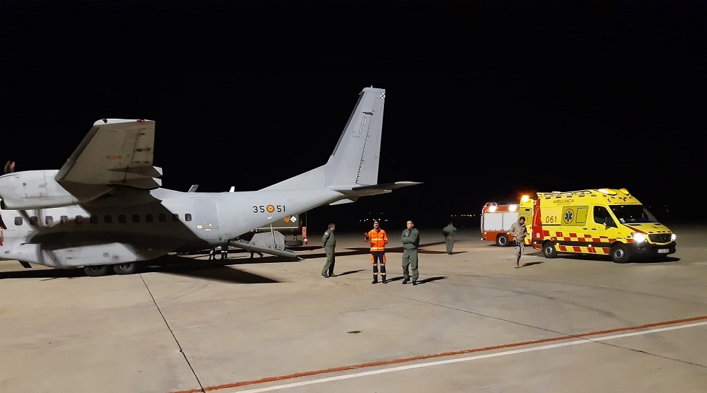 El SAMU 061 coordina el segundo traslado en avión de una paciente con oxigenación extracorpórea en 1 semana