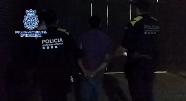 La Policía Nacional detiene en Barcelona a un fugitivo buscado por las autoridades alemanas por un delito de homicidio