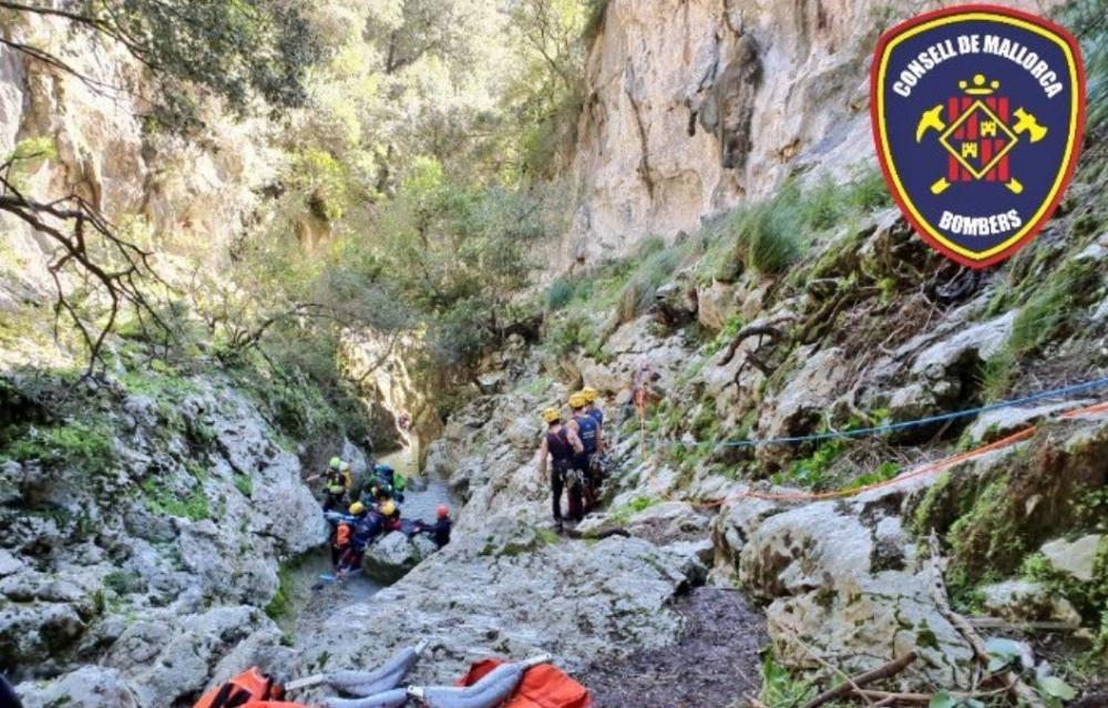 Rescate de una joven con herida abierta en tibia y peroné en el torrente de Coanegra