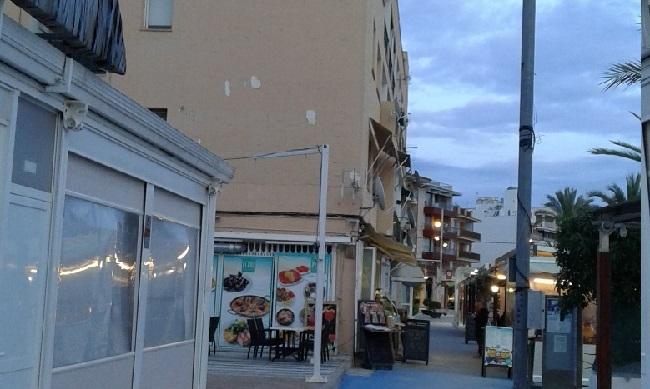 El GOB advierte que la concesión de los bares-restaurantes en la playa de Alcúdia podría ser nula si se otorgara