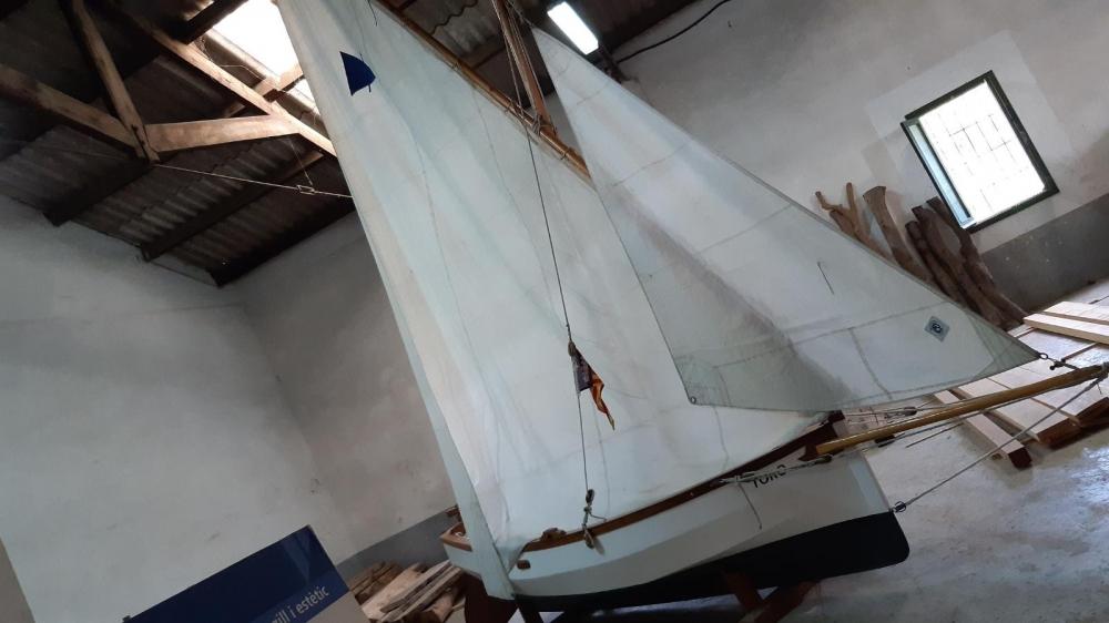 La escuela de mestres d'aixa del Consell potencia los materiales sostenibles para la navegación en la isla