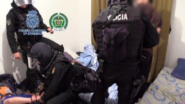 Desmantelados dos laboratorios clandestinos con capacidad para elaborar dos  toneladas de droga al mes