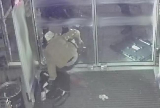 Detenido in fraganti por robo con fuerza un hombre en un local comercial